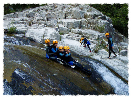canyoning-famille-canyoning-chassezac-les-vans-ardeche
